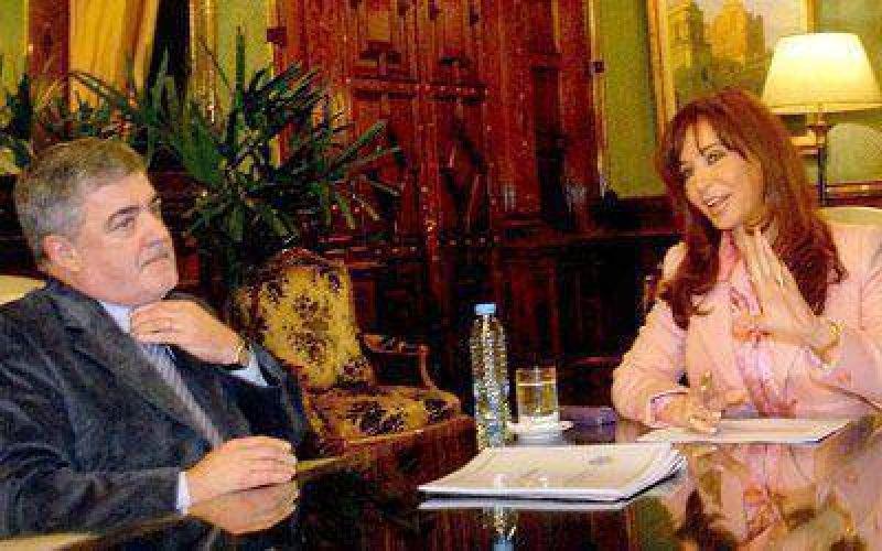 """Das Neves: """"hemos aprendido muy poco en 25 años de democracia""""."""