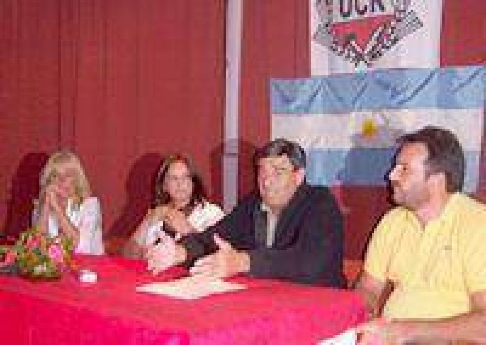 "Cimadevilla: ""Chubut no va a crecer alentando la lucha entre regiones""."
