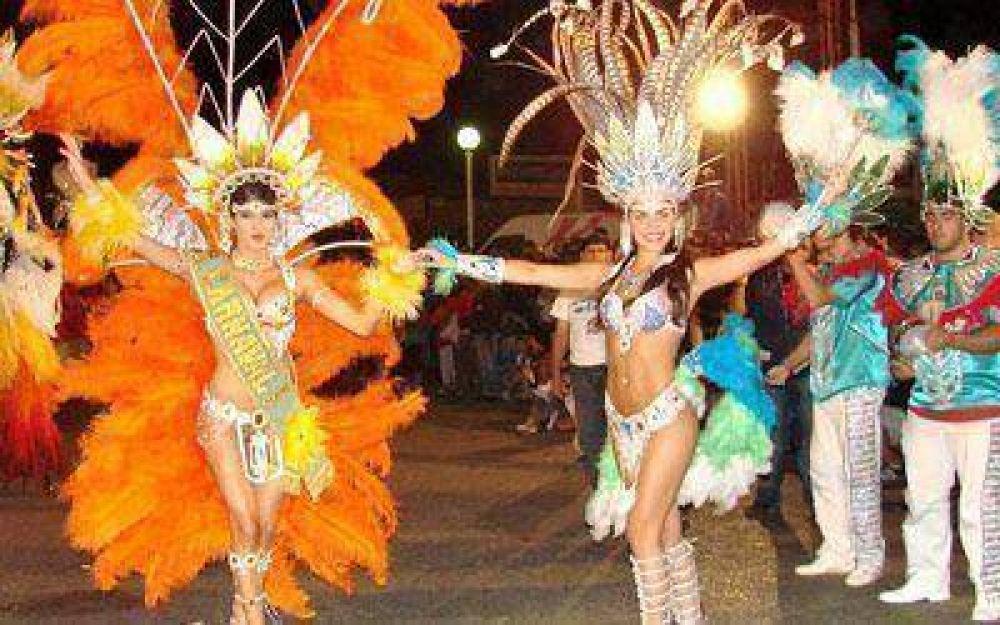 La comparsa correntina Ara Berá volvería a los carnavales caletenses.