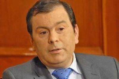 Zamora entregará casas en Fernández y luego firmará convenios de trabajo