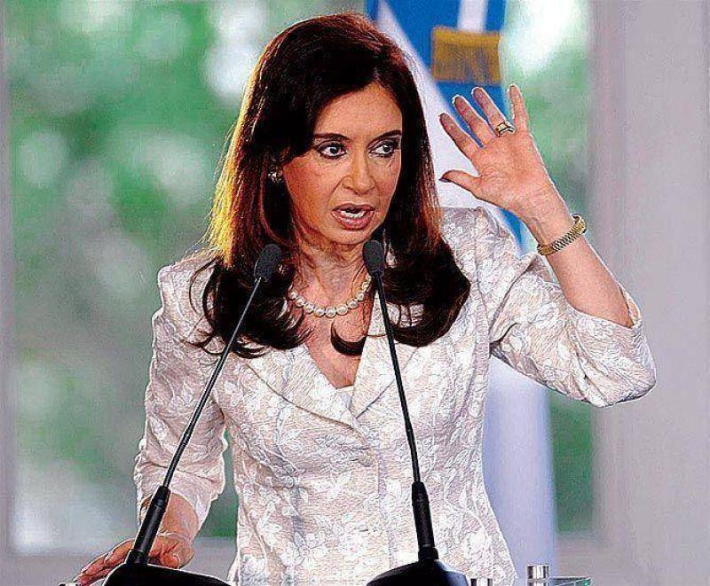 Cristina viaja hoy a Madrid escoltada por los gremios.