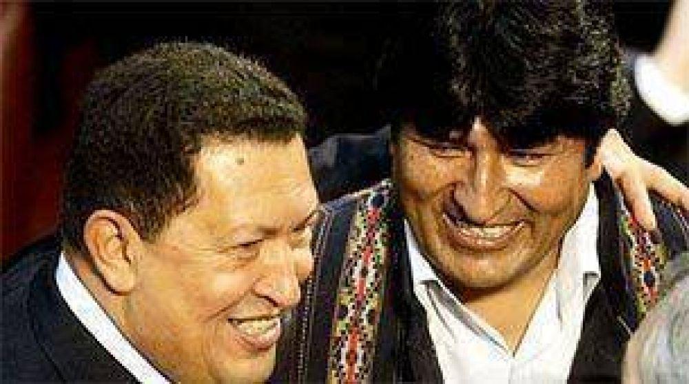 Tras los pasos de Chávez, Evo Morales promulgará una nueva Constitución.