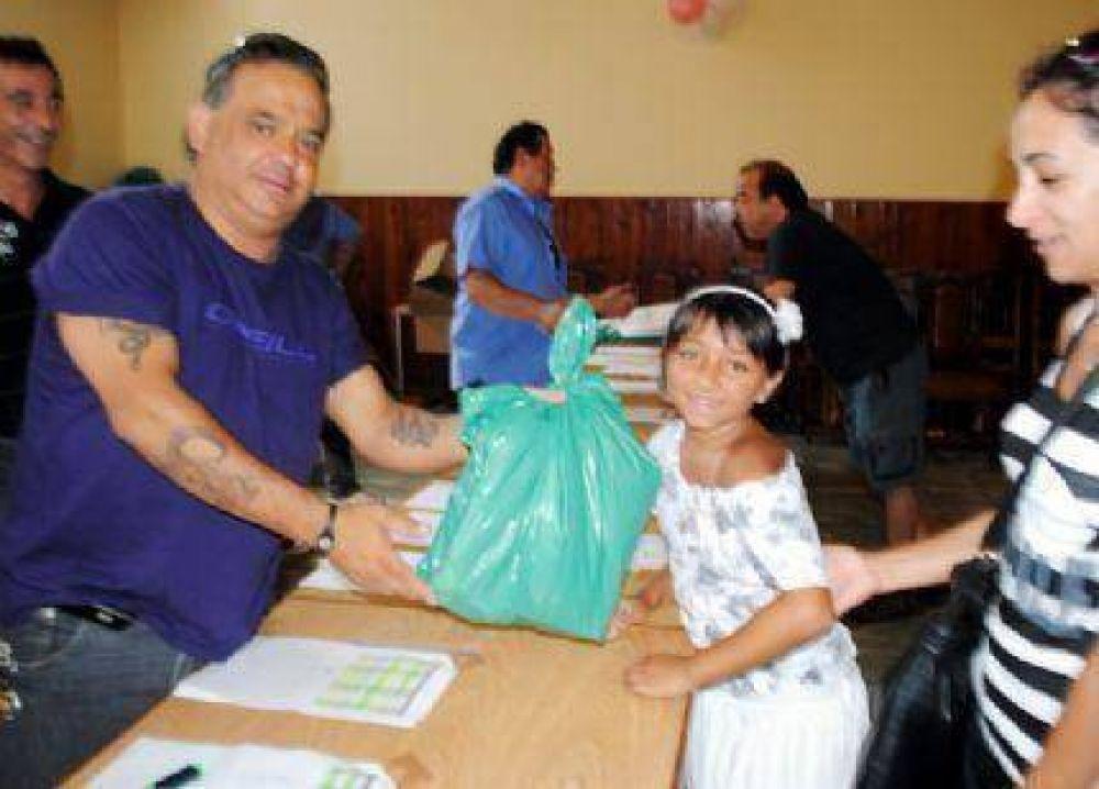 La UTA da una mano y entrega útiles escolares a los hijos de sus afiliados