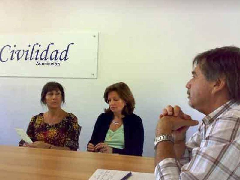 Aporte del Senado a la comunidad educativa de Villa Italia.