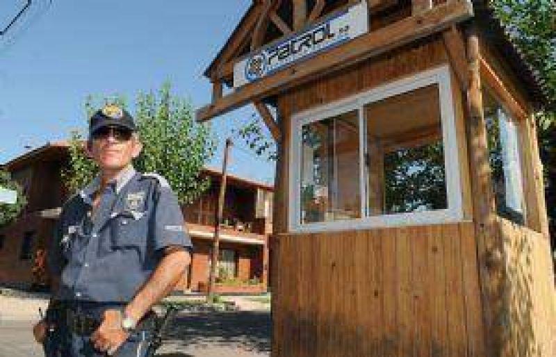 Ya hay tantos vigiladores privados como policías en Mendoza: 7.000