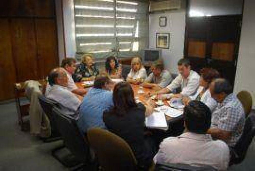Discusión salarial: el STJ se reunió con gremios y asociaciones