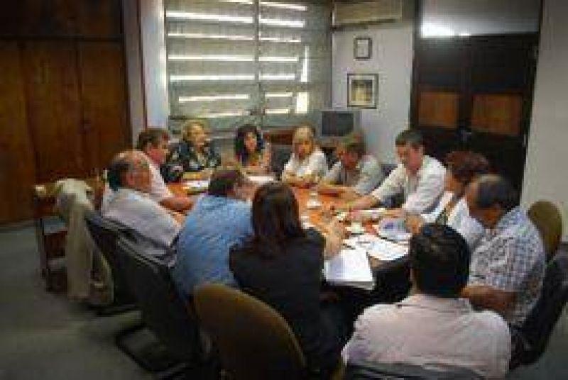 Discusi�n salarial: el STJ se reuni� con gremios y asociaciones