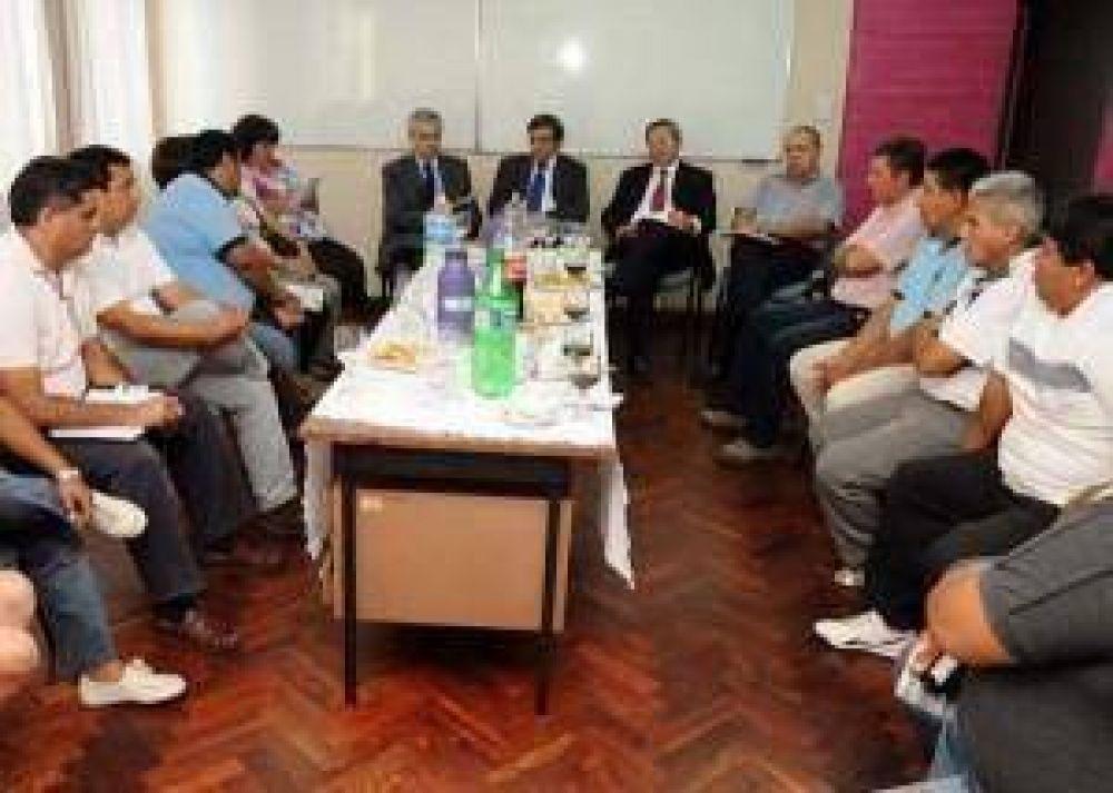 Habría principio de acuerdo entre el Gobierno provincial y el Frente de Gremios Estatales por la recategorización