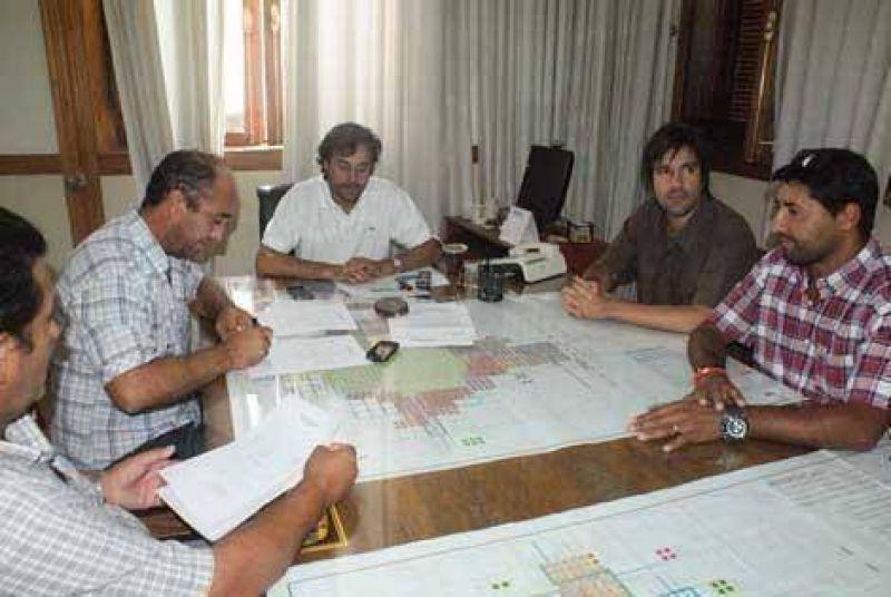 El Ejecutivo y el Sindicato Municipal firmaron un acuerdo salarial del 20%