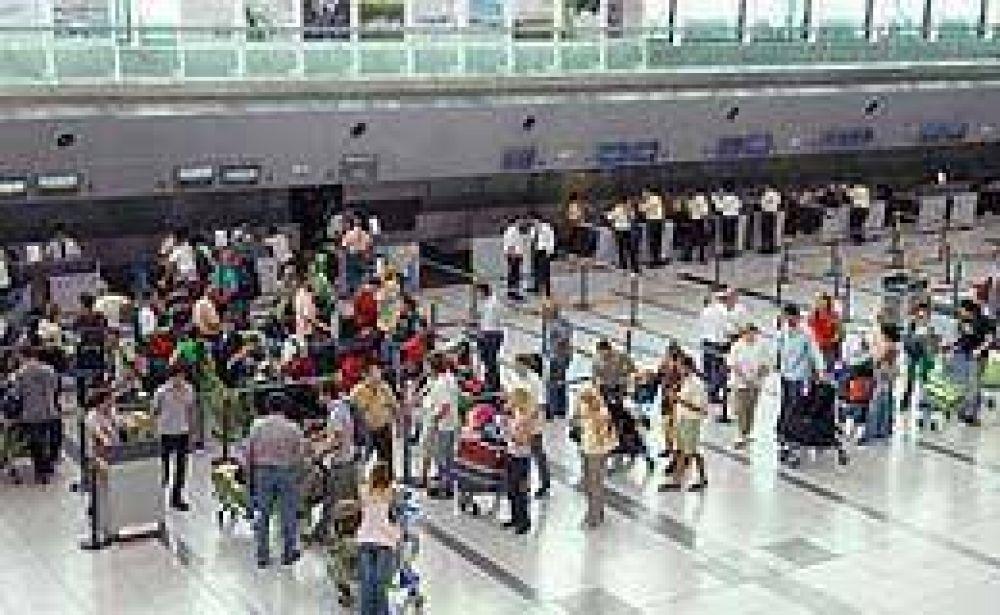De Vido ordenó suspender la suba de tasas aeroportuarias