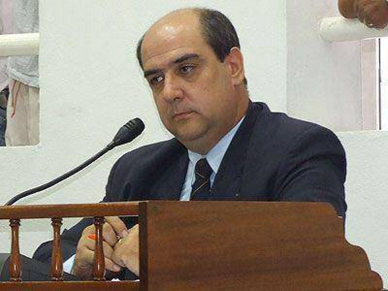 Burdisso aclaró que el rol del sector en las elecciones lo definirá Rodríguez.