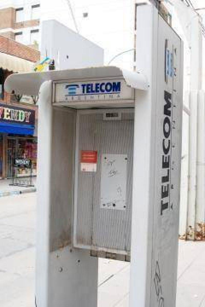 Los teléfonos públicos, en un estado lamentable.
