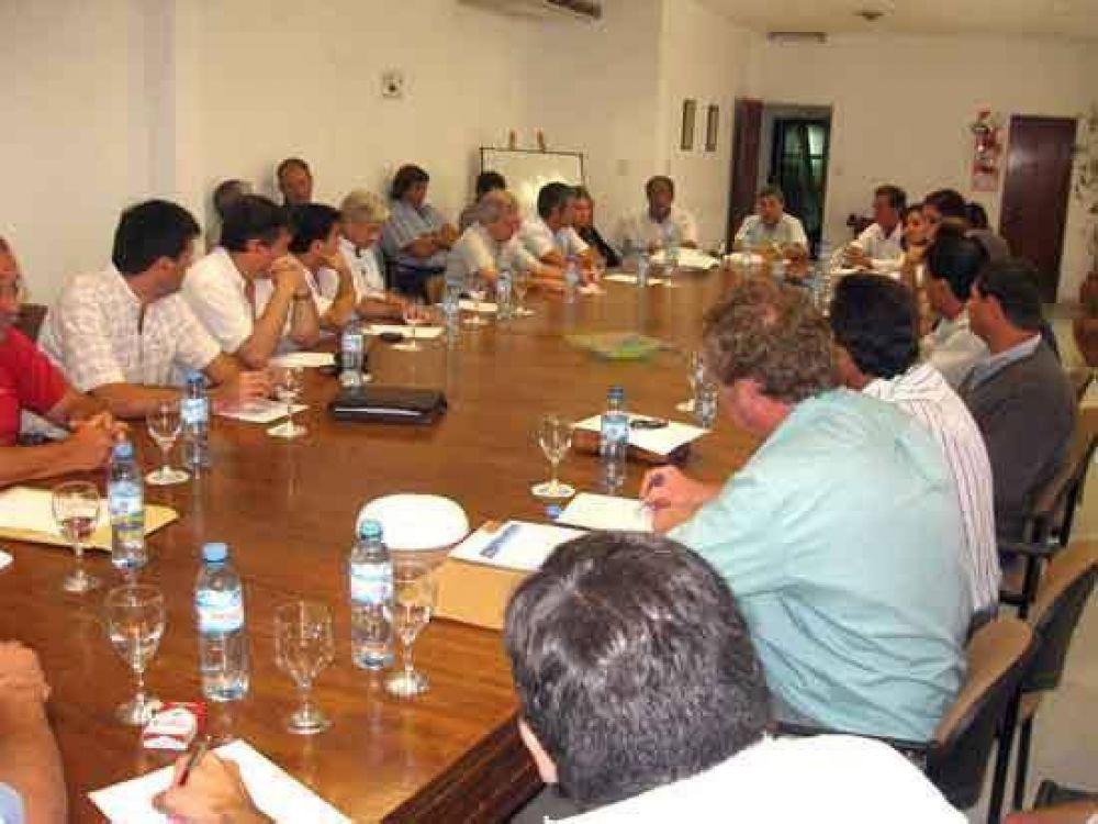 El Comité de Monitoreo local continúa evaluando medidas y alternativas frente a la crisis.