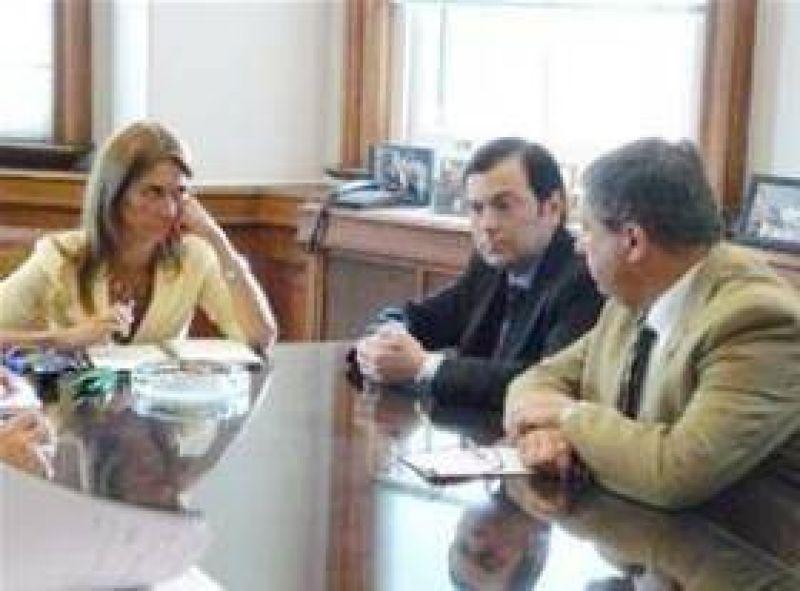 Suspenden por una semana a 500 operarios en Santista Textil.