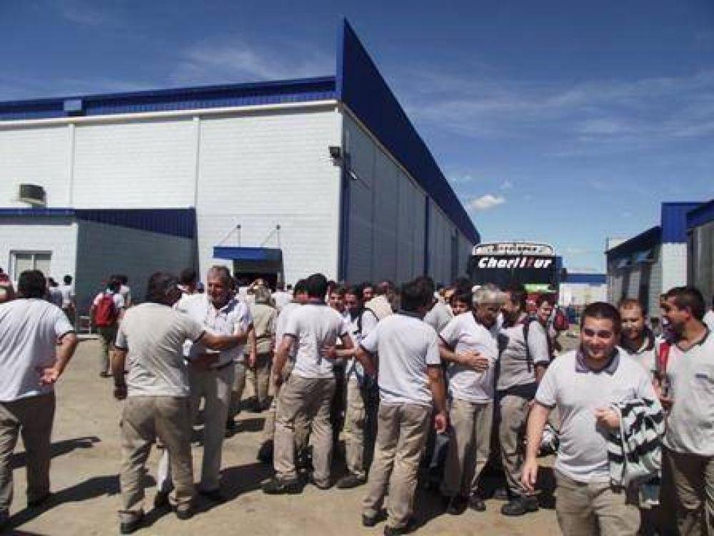 Los empleados de GKN levantaron el paro tras asegurarse que no habrá despidos