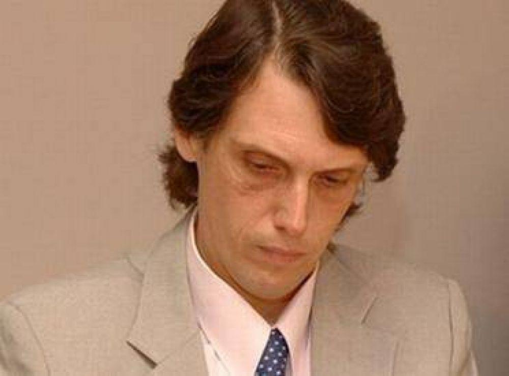 Kosiner denunció que Urtubey recibió amenazas por parte de un grupo de policías en huelga.