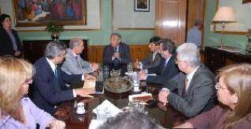 Reunión de gabinete provincial: Ministros presentaron informes y evaluación de sus carteras.