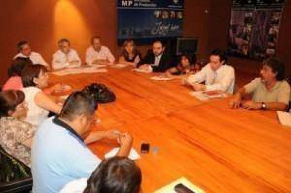 Continúa el diálogo entre Gobierno y Gremios