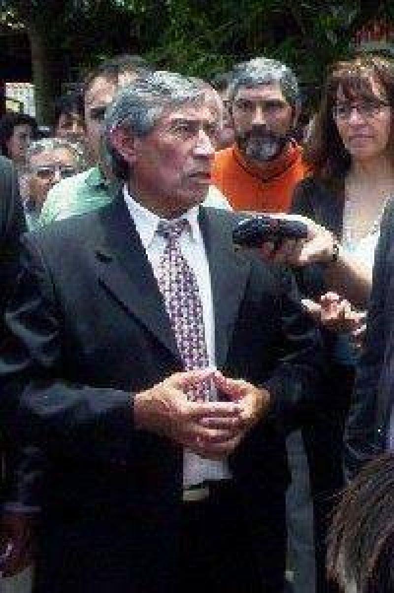 Se quebró nomás: Faustino Lazarte es candidato.