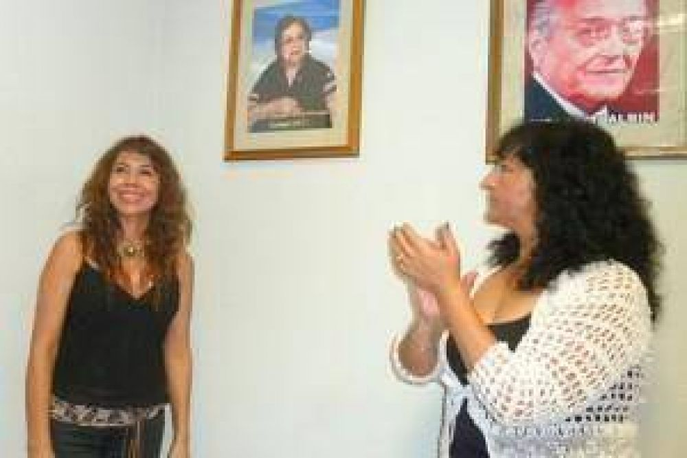 Homenaje a destacadas mujeres radicales, en Salón de bloque de diputados