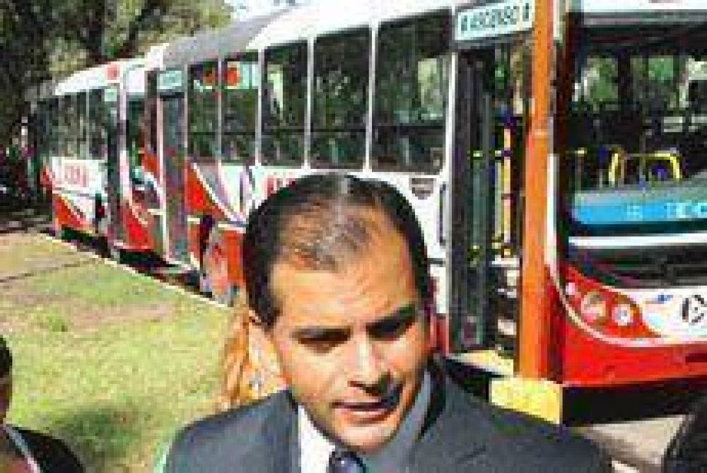 Se incorporaron 10 unidades para el servicio de transporte