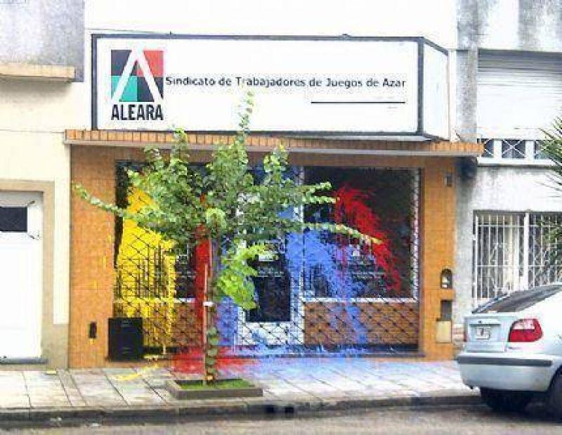 Atacan la sede del Sindicato de Trabajadores de Juegos de Azar