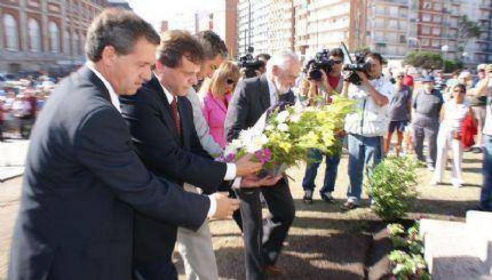 Gustavo Pulti encabezó los actos por el 135° aniversario de Mar del Plata