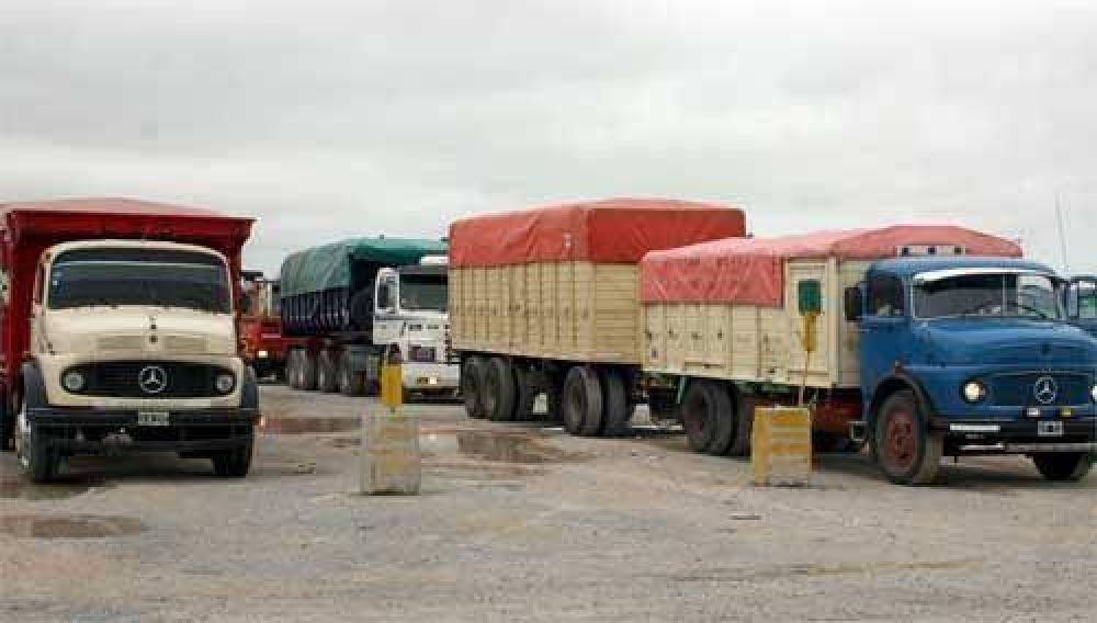 Transportistas de cargas realizarán paro nacional