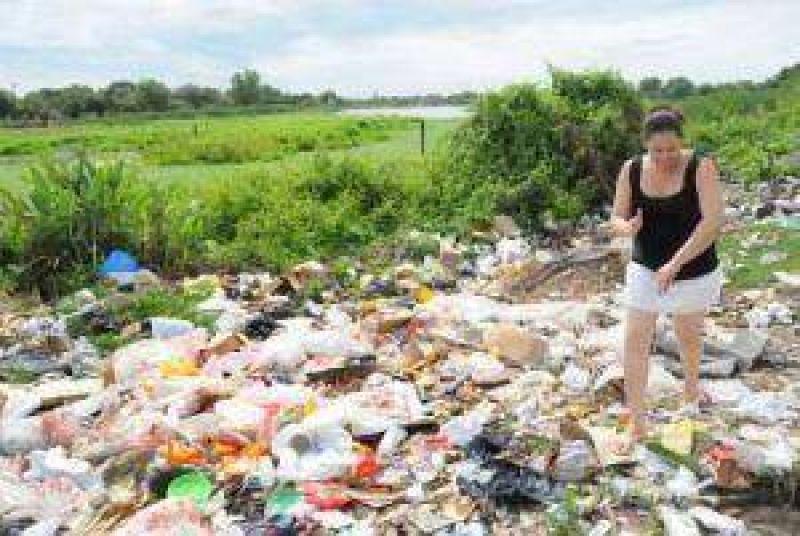 Vecinos de calle Brown al 2800 reclaman soluciones urgentes