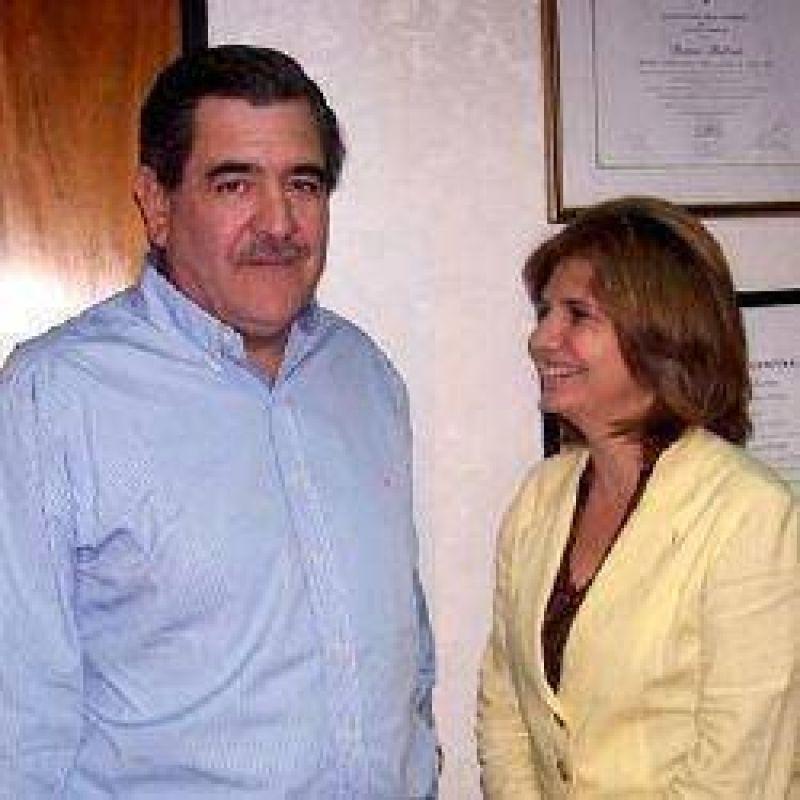 El frente opositor busca apoyo de la Coalición Cívica nacional