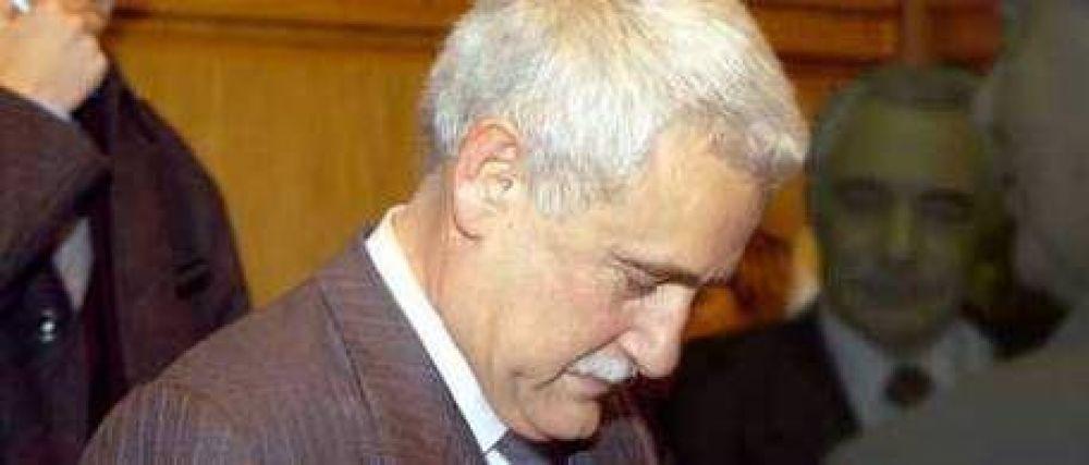 Nueva denuncia contra Enrique Albistur: esta vez, por el presunto