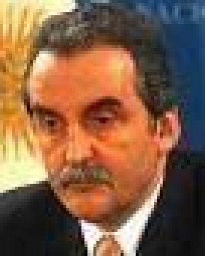 Hay 100.000 pedidos para importaciones frenados por Moreno