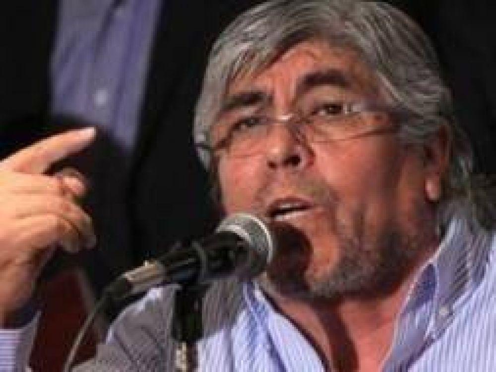 """Moyano inauguró sede de Camioneros en Pergamino junto a """"Cachi"""" Gutiérrez"""