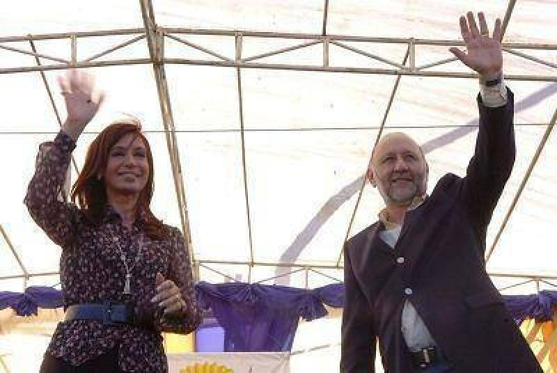Insfrán acompañó a la Presidenta en el lanzamiento de planes sociales