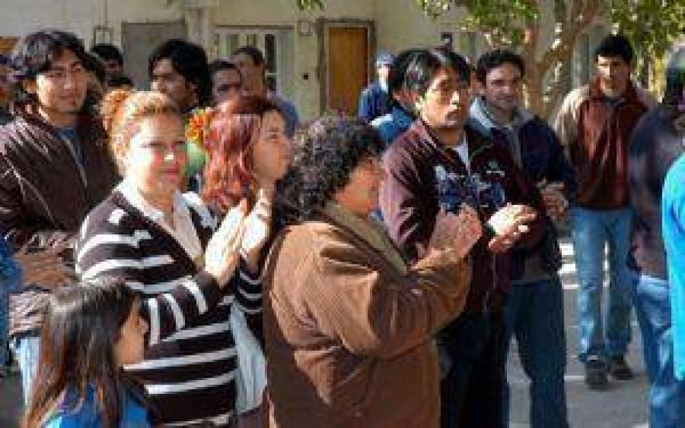 Salgado denuncia que hay municipales de Santa Rosa sin contrato
