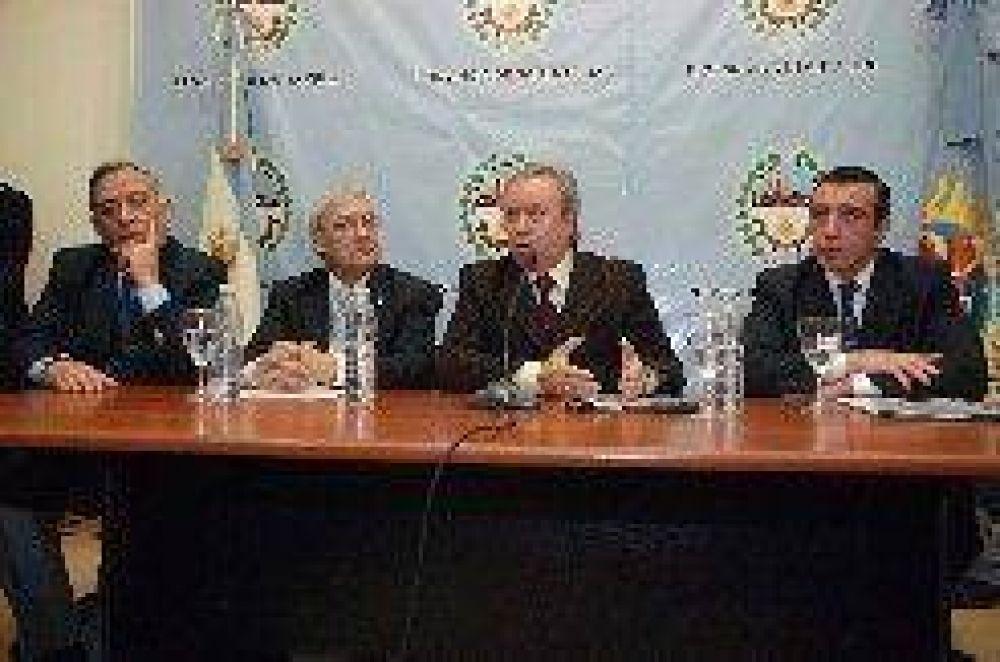 Presupuesto 2009: Peralta ordeno una fuerte contención en el gasto provincial.