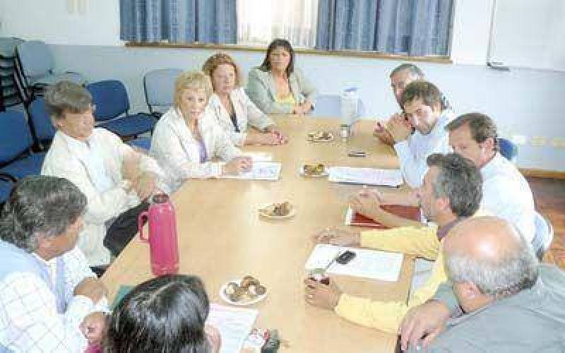 Concejales piden a diputados que se respete la potestad del municipio.