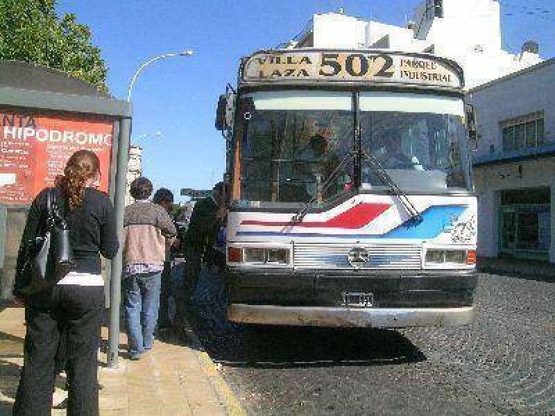 Se prorrogaría por nueve meses la concesión del transporte público