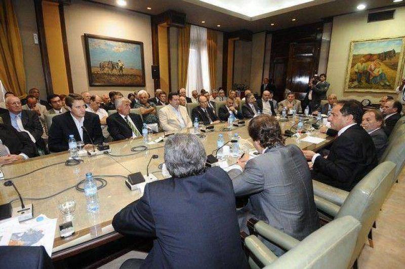 Franetovich asistió a una reunión de trabajo de Scioli con 41 intendentes del interior provincial.