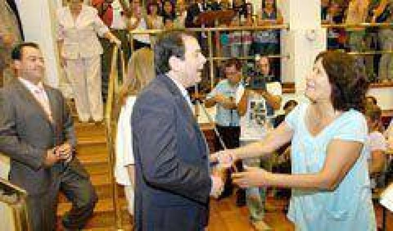 Zamora entregó 800 nuevas jubilaciones