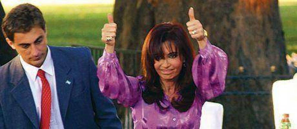 Cristina busca revertir las encuestas con una actitud más social y conciliadora.