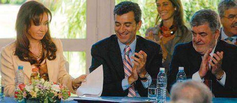 Ayer en Olivos la Presidenta reglament� la Ley de Bosques.