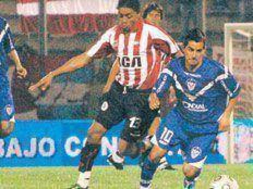 Argentinos se fue muy atrás y Vélez se lo empató al final.