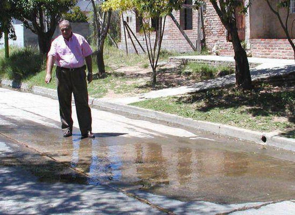 Pérdida de agua en Ameghino: Concejales del Frente por Campana reclaman respuestas.
