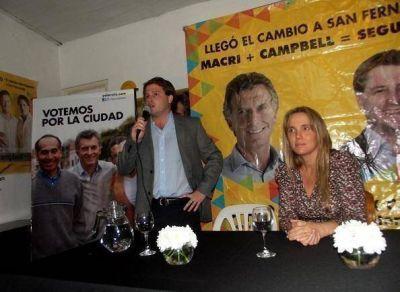 Recorrida de Gladys González y Alex Campbell por San Fernando