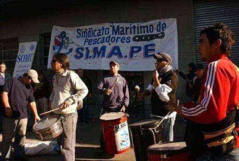 El SIMAPE aceptó la conciliación obligatoria que dictó el ministerio de Trabajo y levantó la medida de fuerza