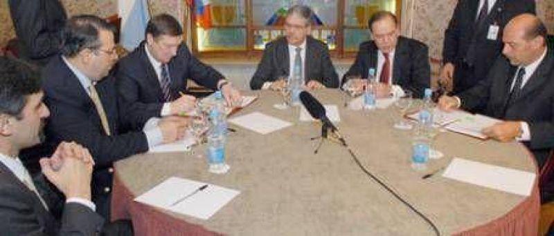 La carta de intenci�n que De Vido firm� con la petrolera rusa Lukoil tiene como