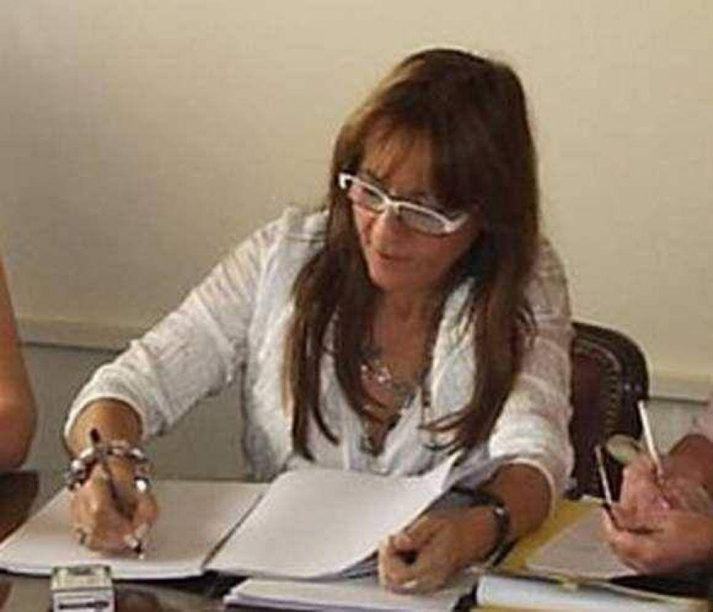 La ministra Bernal objetó el paro del sector docente.