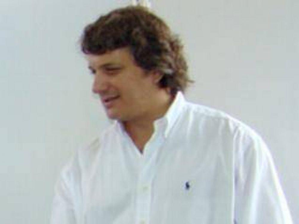 """Gabriel Romarosky por el programa """"Sin casco no hay nafta"""": """"la municipalidad tendría que haber hecho participar del convenio a los playeros""""."""