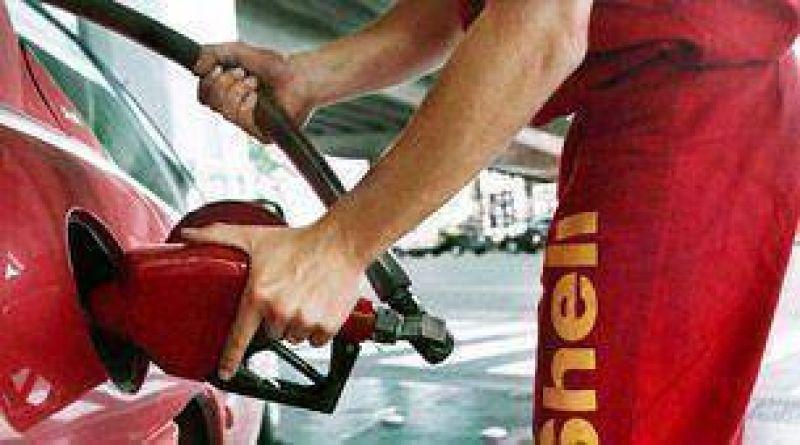 Cae la demanda de naftas